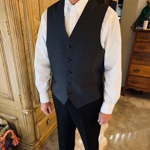 Men's Dress Vest Grey w/subtle white basketweave